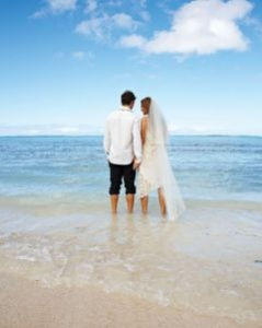 bride-and-groom-in-the-cook-islands